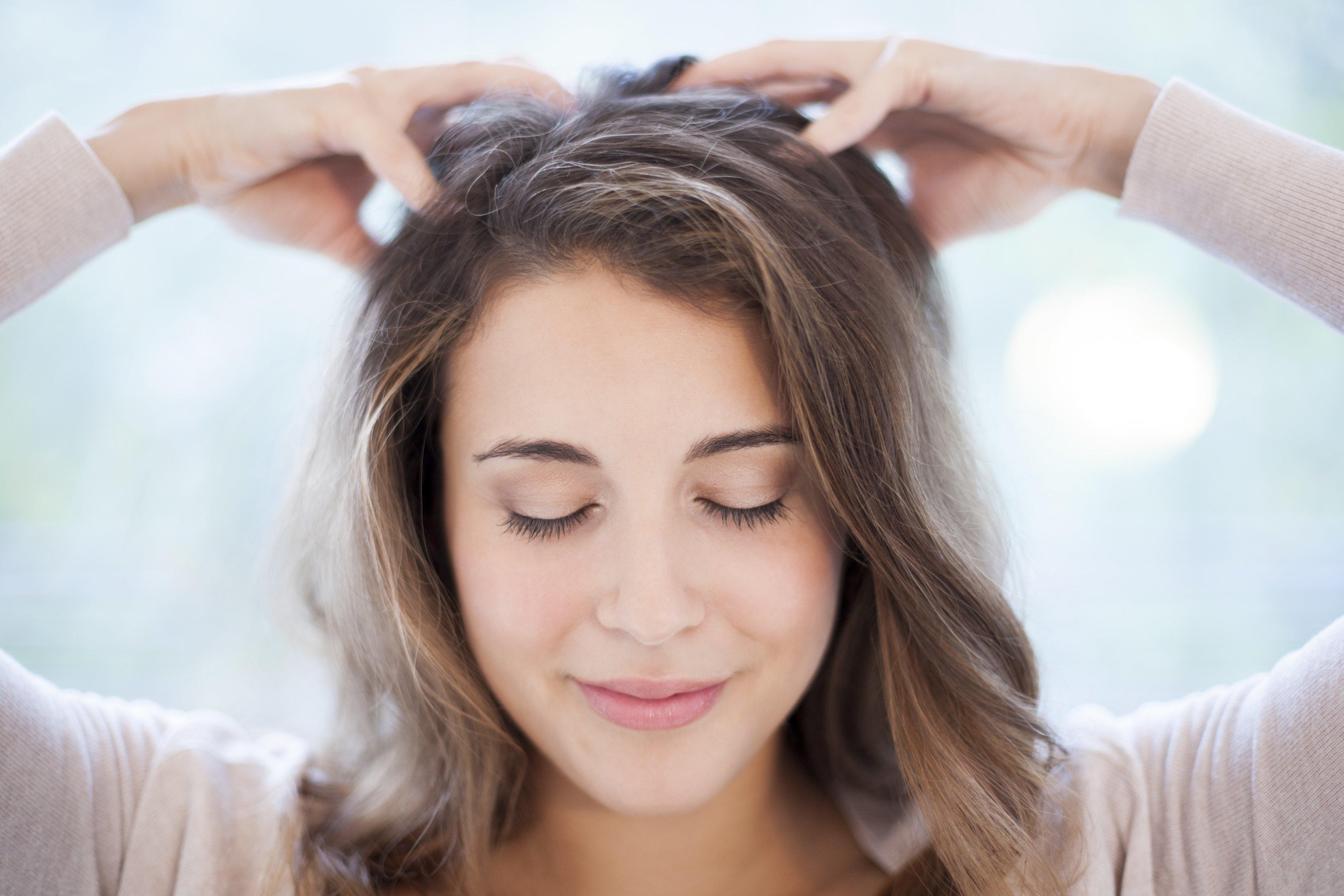 「scalp massage」の画像検索結果