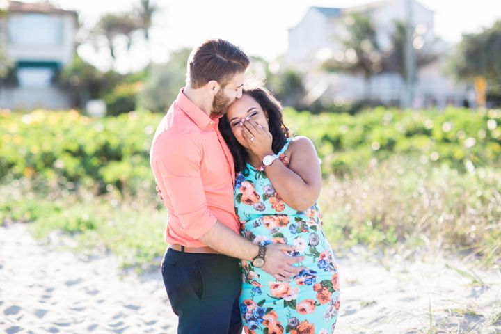 Unsuspecting mom to be gets surprise proposal during for Surprise engagement photo shoot