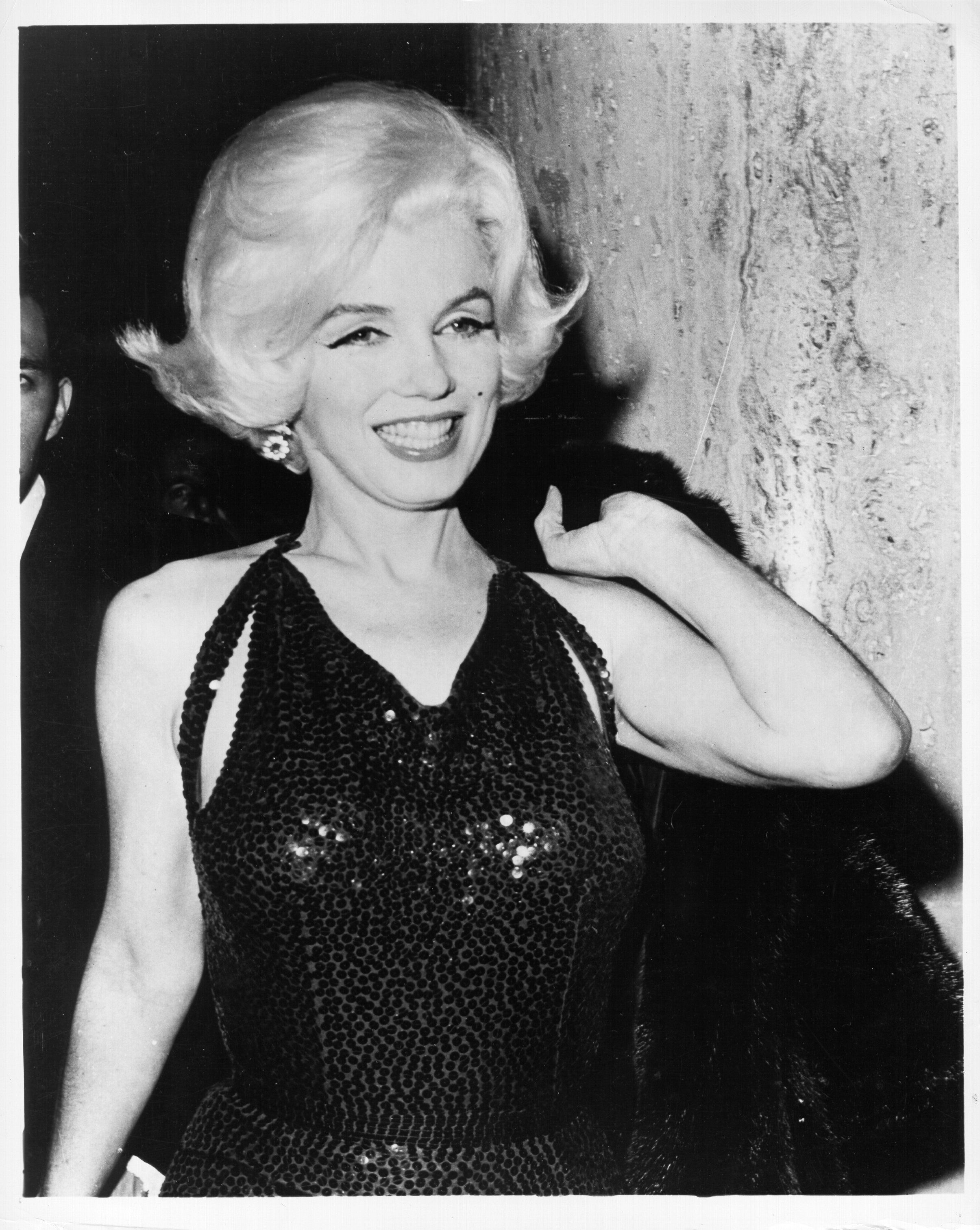 LOS ANGELES - MARCH 5:  Actress Marilyn Monroe poses for a portrait at the Golden Globe Awards where she won the 'Henrietta' award at the Beverly Hilton Hotel on March 5, 1962 in Los Angeles, California. (Photo by Michael Ochs Archives/Getty Images)