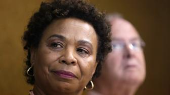 U.S. Rep. Barbara Lee listens during a news conference in Havana May 5, 2014. Four Democrats from the U.S. House of Representatives urged U.S. President Barack Obama to authorize negotiations with the Cuban government in order to free a U.S. contractor serving a 15-year sentence in Cuba for trying to set up an internet service. REUTERS/Enrique De La Osa (CUBA  - Tags: POLITICS)