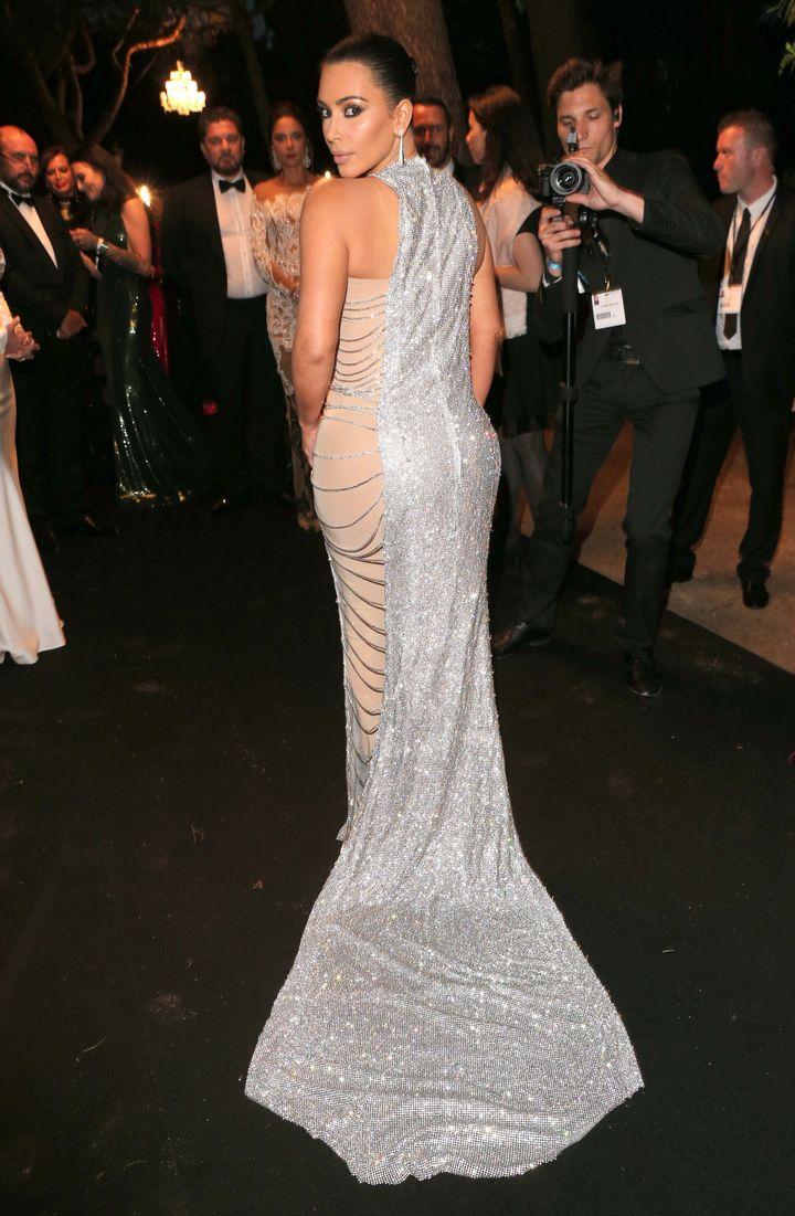 This Stunning Chain Mail Gown Is Kim Kardashian\'s Sparkliest Dress ...
