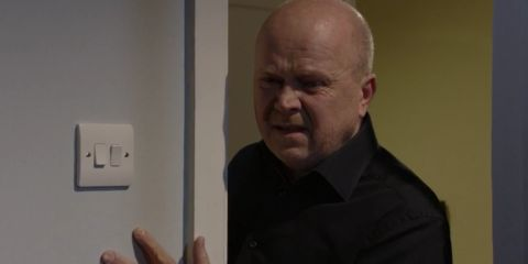 Phil Discovers Peggy's Body In Devastating 'EastEnders'