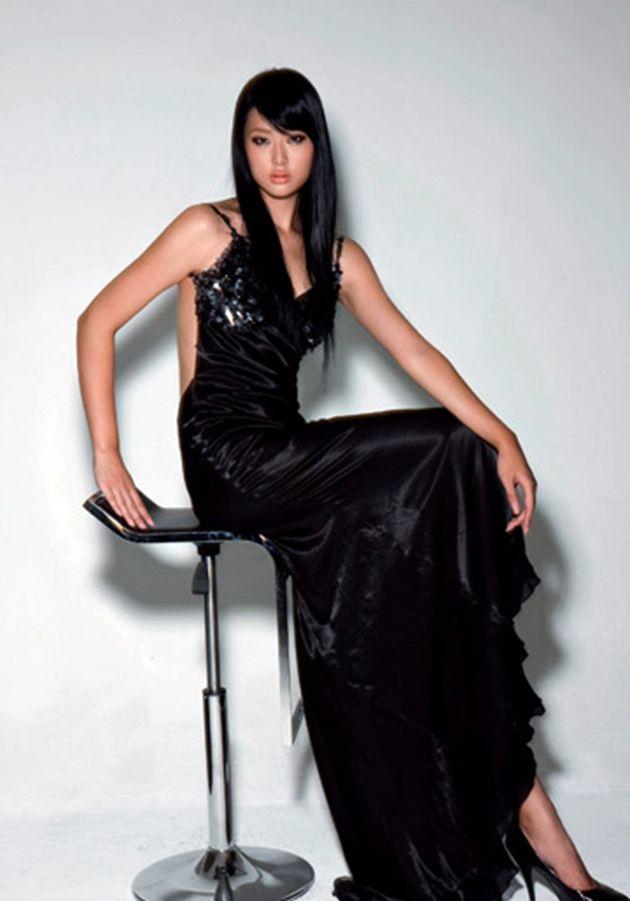 Model Olivia Ku Drowns During 'Underwater Fashion