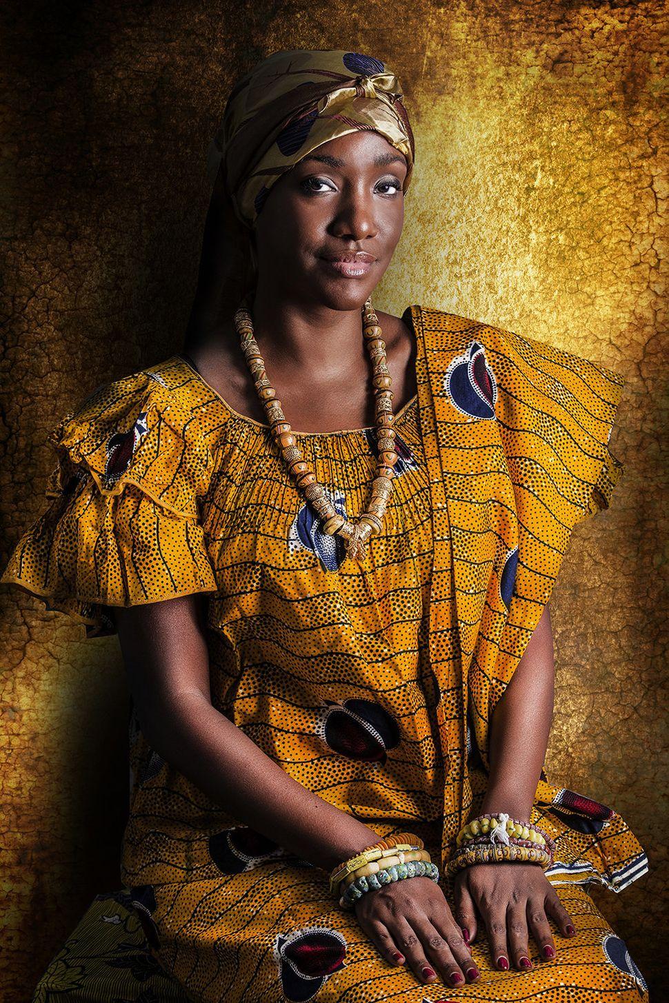 Naema Assassi est un promoteur immobilier.  Sa famille est originaire du centre de la Côte d'Ivoire (Akan).  Naema a grandi dans