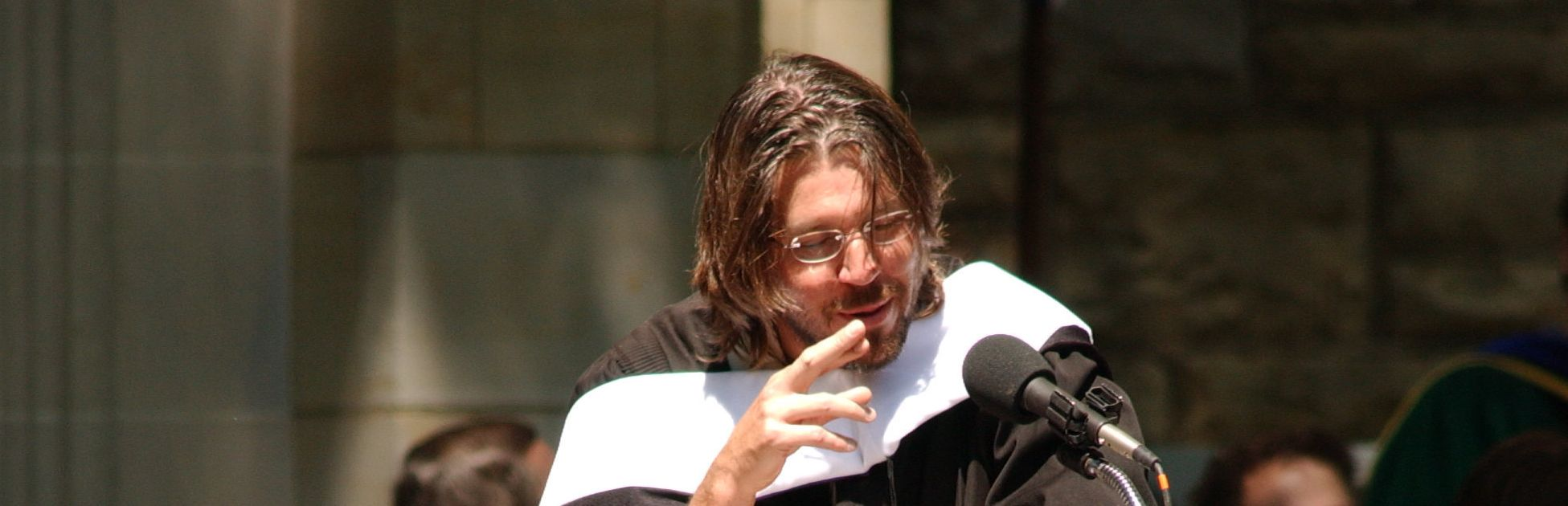 rhetorical situation david foster wallace commencement speech Transcription of the 2005 kenyon commencement address - may 21, 2005 written and delivered by david foster wallace (if anybody feels like perspiring [cough], i'd advise you to go ahead.