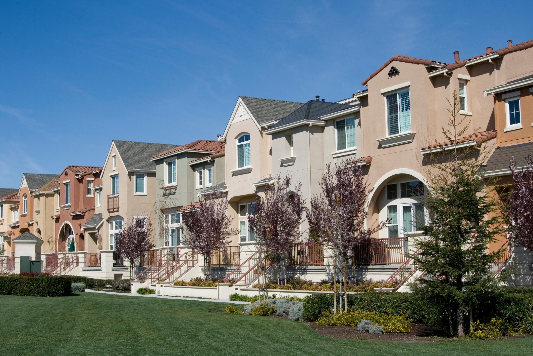 Townhouses in San Jose, California. Almost half of the homes in theSan Jose metro areaare valued at over a millio