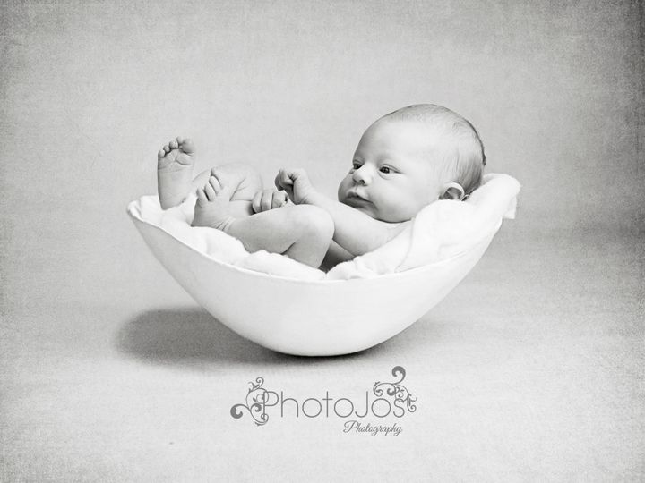 "These ""bump bowl"" pictures are a creative approach to newborn photography."
