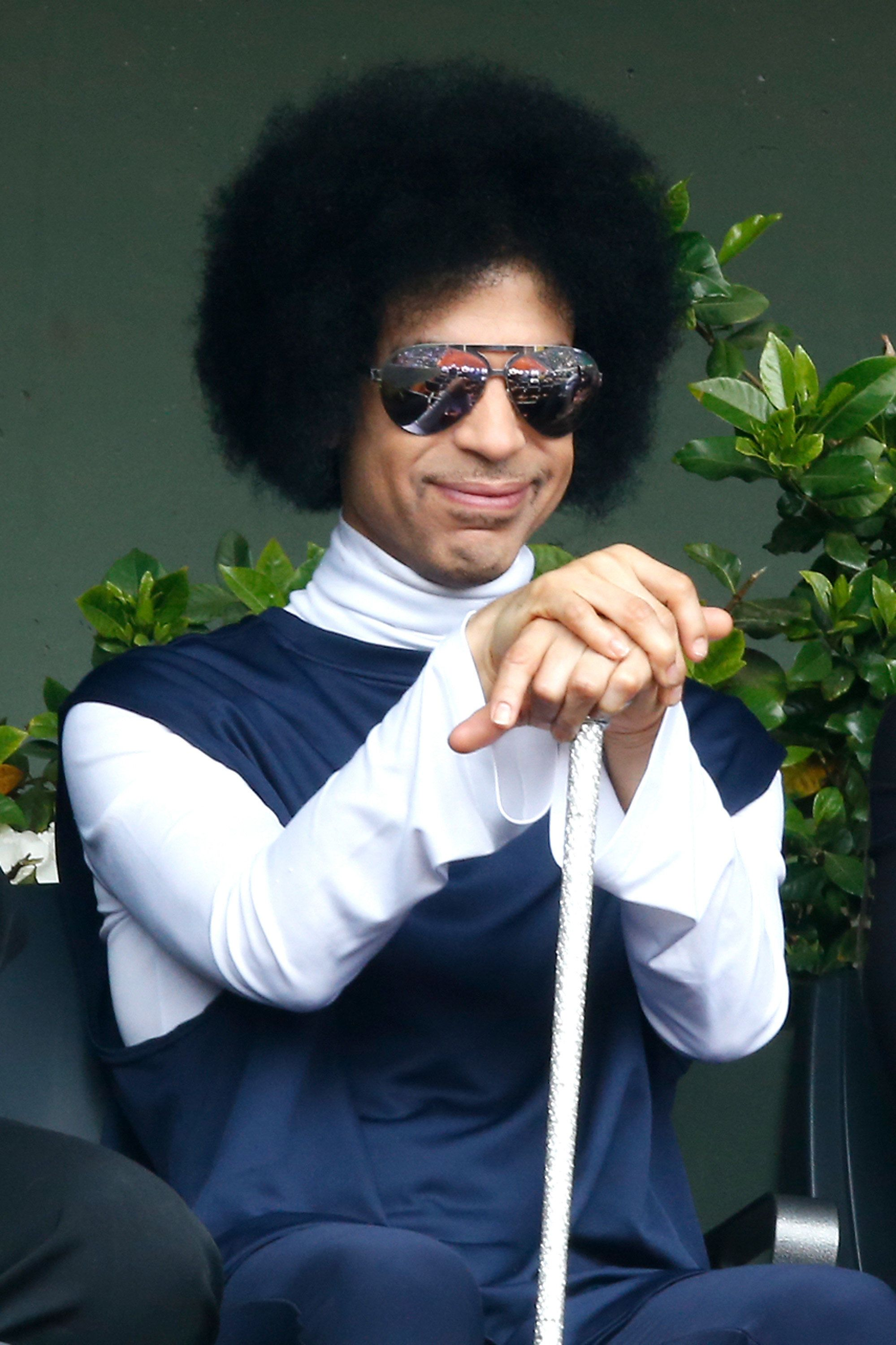PARIS, FRANCE - JUNE 02:  Singer Prince attend the Roland Garros French Tennis Open 2014 - Day 9 on June 2, 2014 in Paris, France.  (Photo by Rindoff/Charriau/French Select/Getty Images)