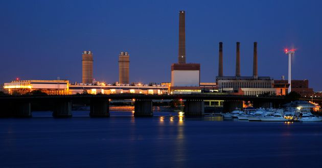 Massachusetts aimsto reducegreenhouse gas emissions 25 percent below 1990 levels by