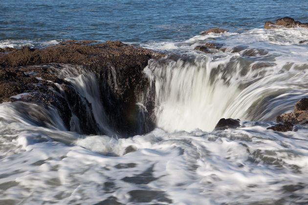 Sitting on the edge of the Oregon coast is what appears to be a gaping sinkhole that never seems to fill...