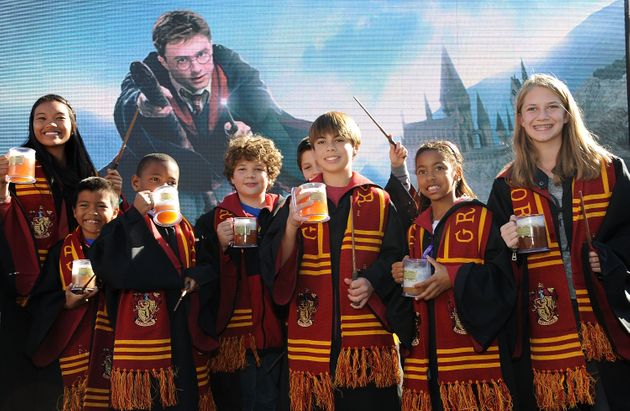 Here's How To Throw A Harry Potter Themed