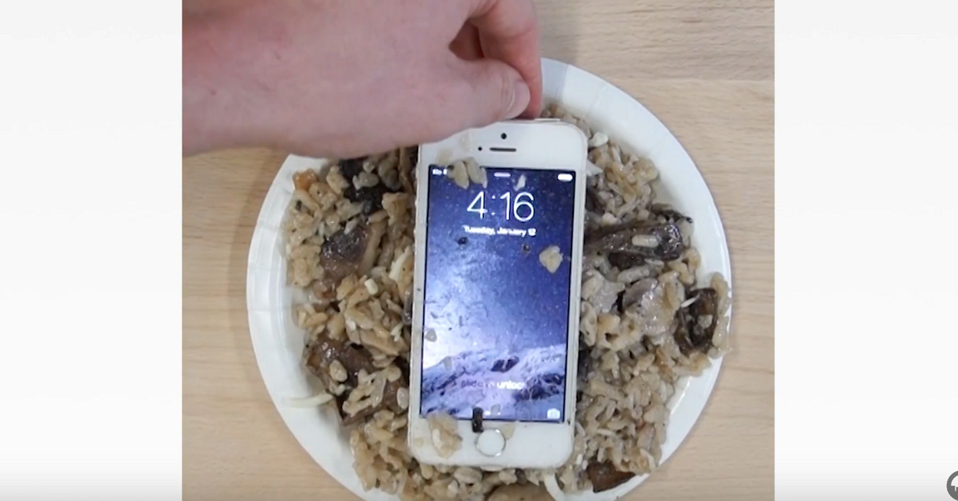 i dropped my iphone in water what to do when you ve dropped your iphone in water huffpost 19282