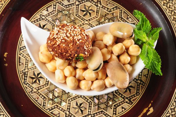 Though some choose to binge before and after each day's fast, many Muslims encourage eating small, healthy meals that w