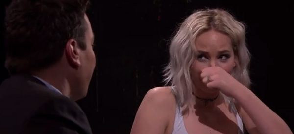 Jennifer Lawrence Gives Another Masterclass In  Laughing Off Awkward Moments