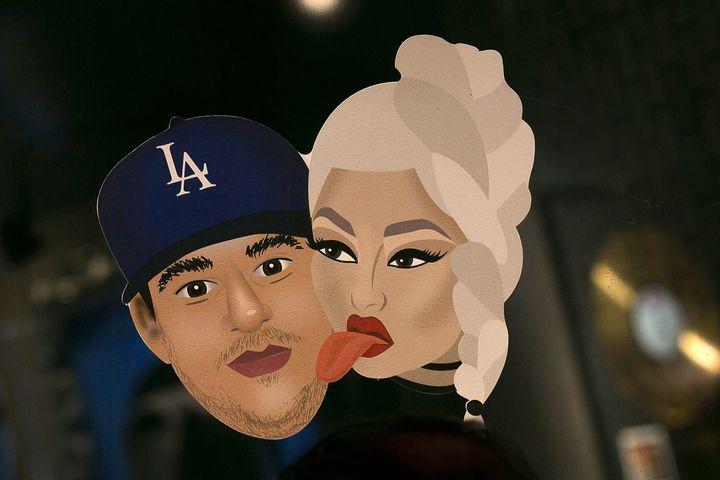 Chymoji of Blac Chyna and her bae Rob Kardashian.