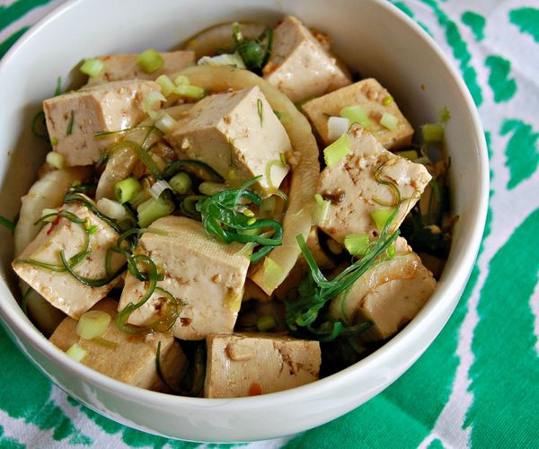 "Get the <a href=""http://margaritasintherain.com/2015/08/spicy-tofu-poke-bowls/"" target=""_blank"">Spicy Tofu Poke Bowls recipe<"