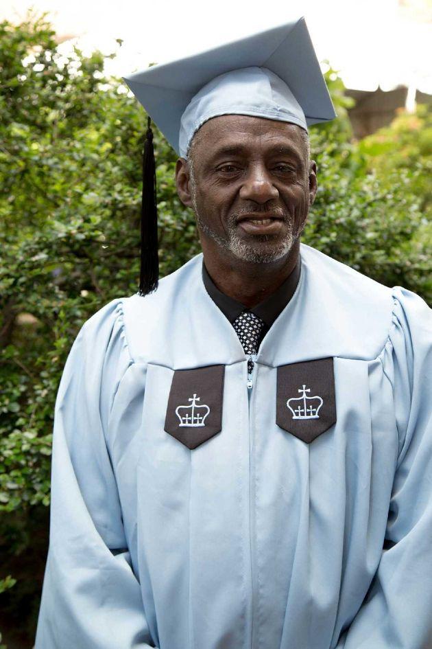 元ドラッグの売人、コロンビア大学を卒業する