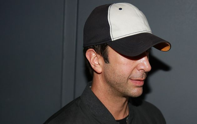 David Schwimmer in a hat similar to the hat I saw him wearing at