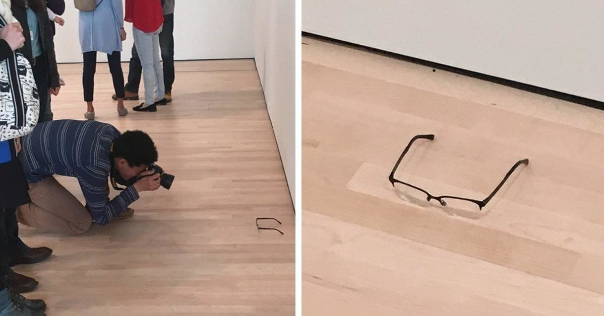 Someone Put A Pair Of Glasses On The Floor Of A Museum And People Genuinely Thought It Was Modern