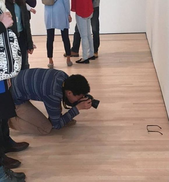 Someone Put Glasses On The Floor Of A Museum And People Genuinely Thought It Was Modern