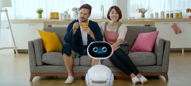 Zenbo: The Personal Assistant Robot Who Can Entertain Kids And Alert You To Family