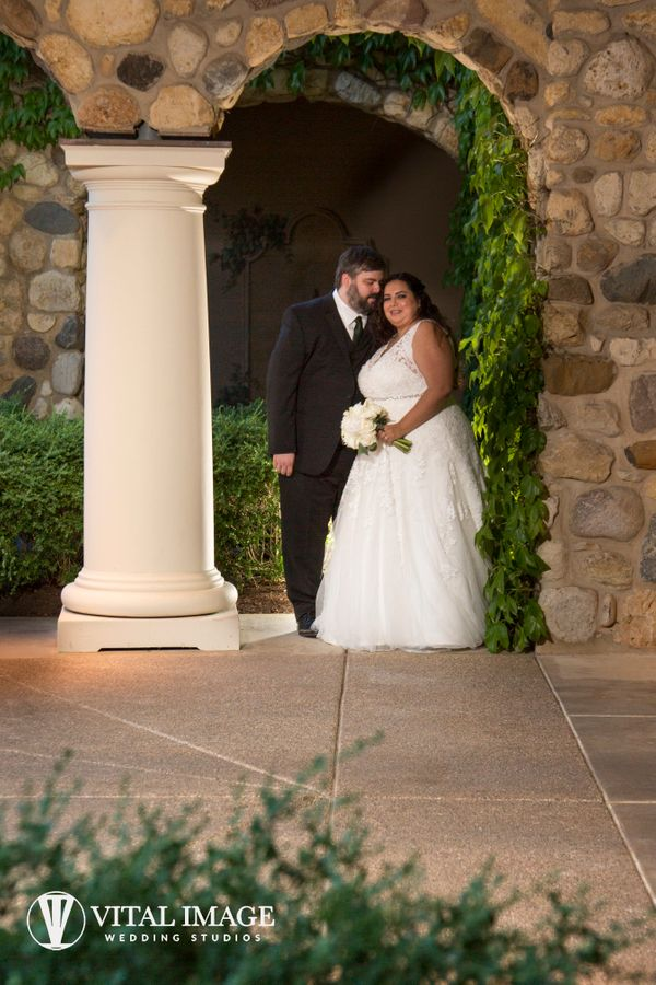 """Leslie and Chris had a lovely outdoor wedding at Boulder Ridge Country Club in Lake in the Hills, Illinois on Saturday."" --<"