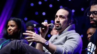 NEW YORK, NEW YORK - JANUARY 22:  Actor Lin- Manuel Miranda attends BroadwayCon 2016 at the Hilton Midtown on January 22, 2016 in New York City.  (Photo by John Lamparski/WireImage)