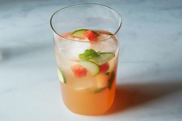 "<strong>Get the <a href=""http://food52.com/recipes/22819-louisa-shafia-s-watermelon-mint-and-cider-vinegar-tonic"" target=""_bl"