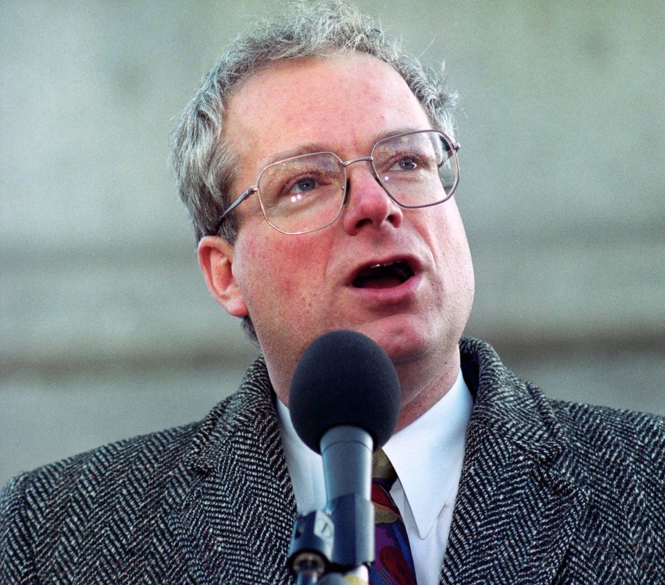 In 1984 London Labour MP Chris Smith becamethe first member of the Commonsto come out as