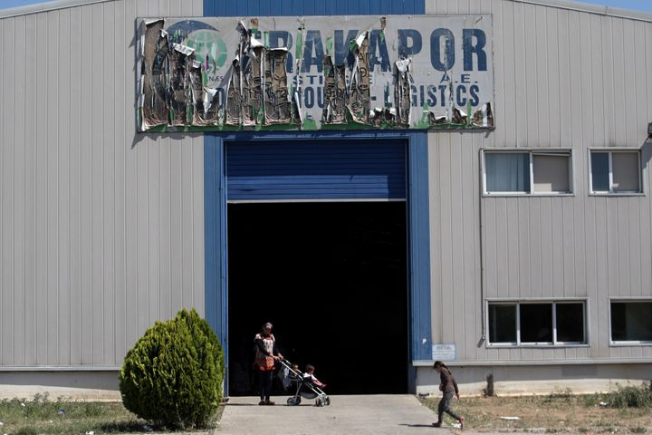 A new camp for refugees and migrants set up in an abandoned factory. In the space of three days, police transferred abou
