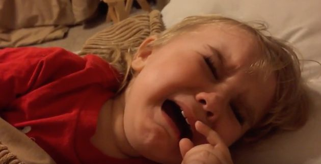 Toddler Breaks Down In Tears After Dad Shaves His Beard