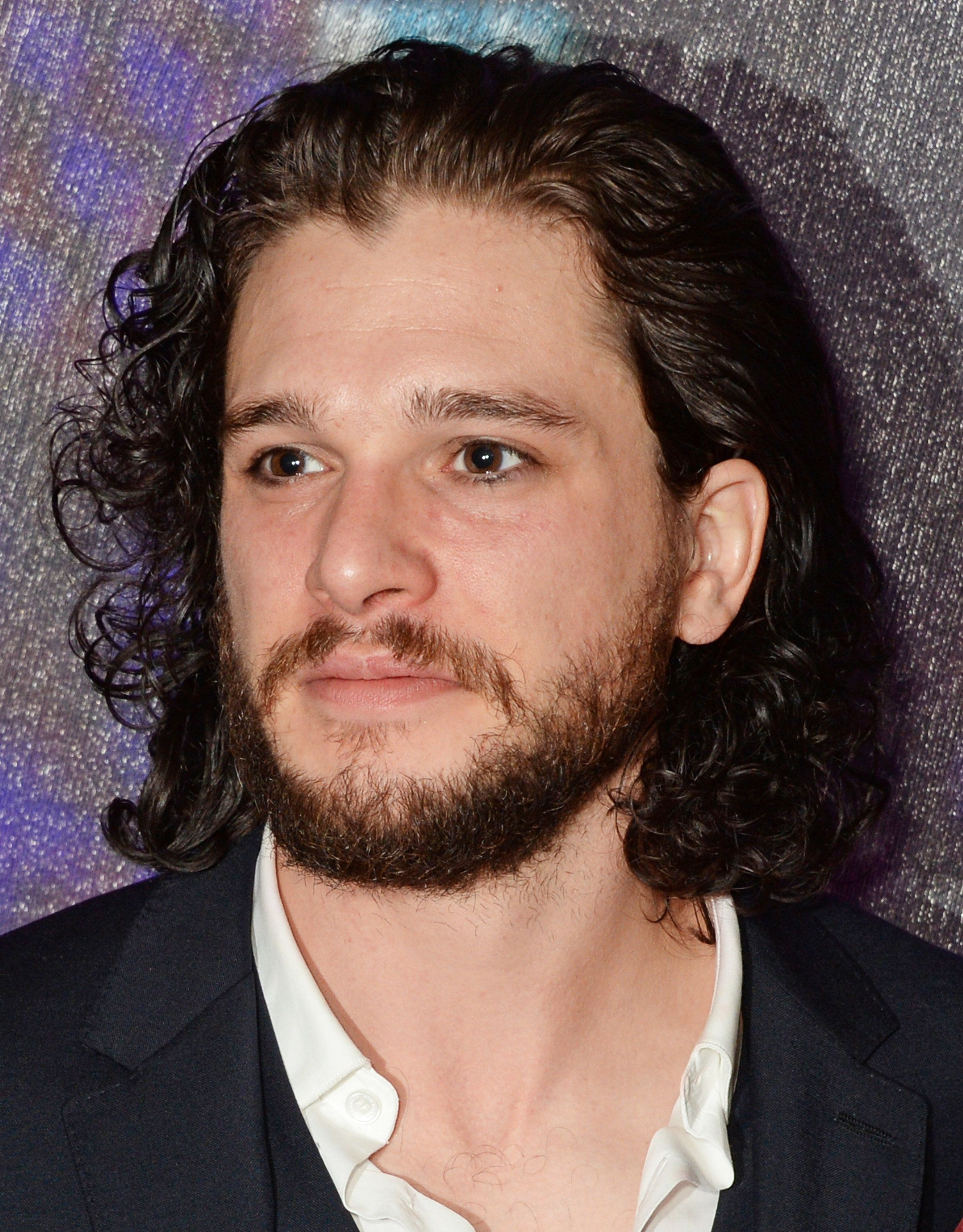 Kit Harington's Shaved Off His Beard And 'GOT' Fans Can't Handle