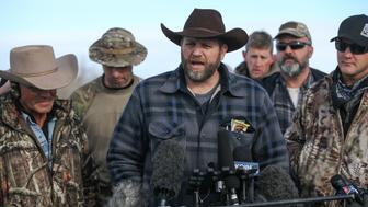 BURNS, OR - JANUARY 06: Ammon Bundy, the leader of an anti-government militia, speaks to members of the media in front of the Malheur National Wildlife Refuge Headquarters on January 6, 2016 near Burns, Oregon. An armed anti-government militia group continues to occupy the Malheur National Wildlife Headquarters as they protest the jailing of two ranchers for arson (Photo by Cem Ozdel/Anadolu Agency/Getty Images)
