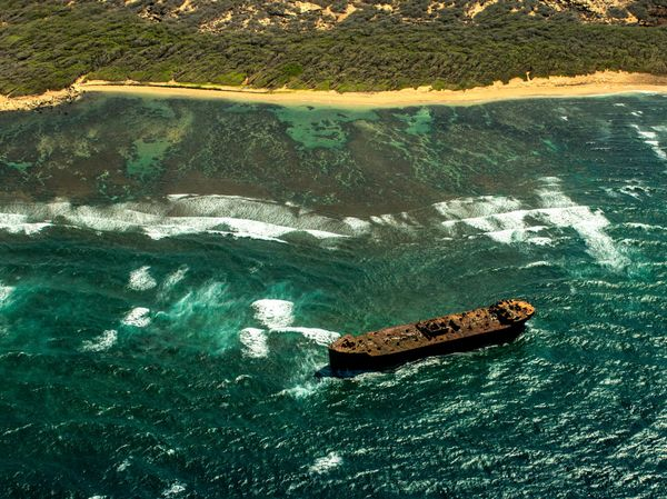 The strong currents and coral reefs on Lanai's northeast coast have caused numerous shipwrecks here, but the most famous, <a