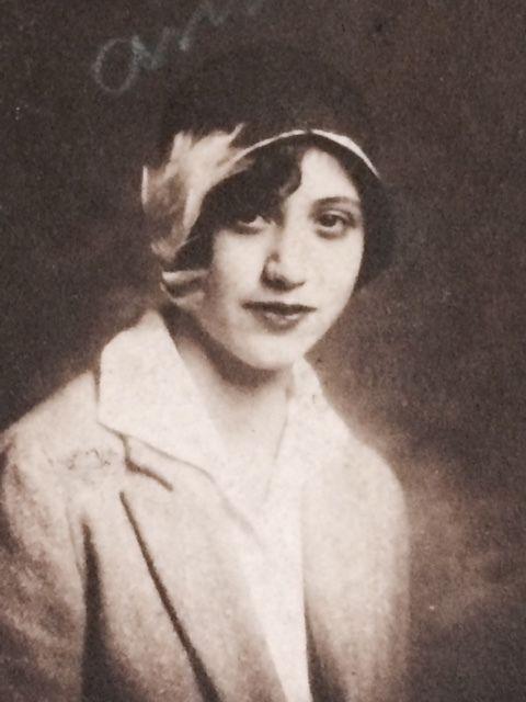 <i>Anna in 1930: age 18.</i>