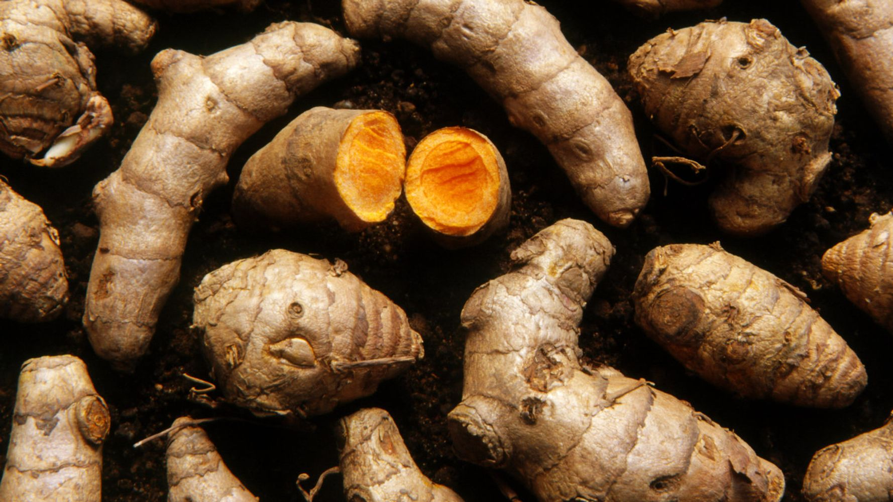 This Is Why Everyone's So Obsessed With Turmeric Right Now
