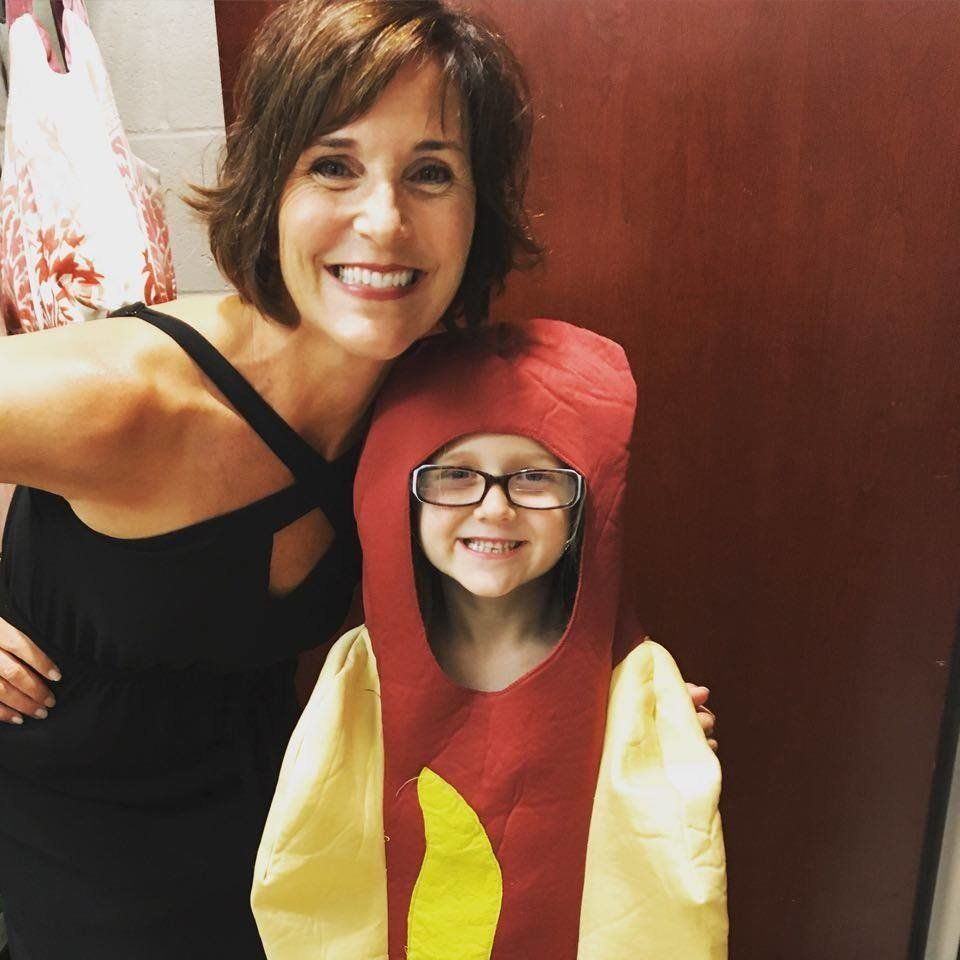 5755a9851200002e00895820?ops=scalefit_720_noupscale girl who wore hot dog costume to princess week is our new role model