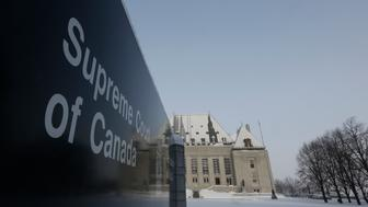 A view shows the Supreme Court of Canada in Ottawa February 6, 2015. The Supreme Court of Canada overturned a ban on physician-assisted suicide on Friday, unanimously reversing a decision it made in 1993 and putting Canada in the company of a handful of Western countries where the practice will be legal. REUTERS/Chris Wattie (CANADA - Tags: POLITICS HEALTH)