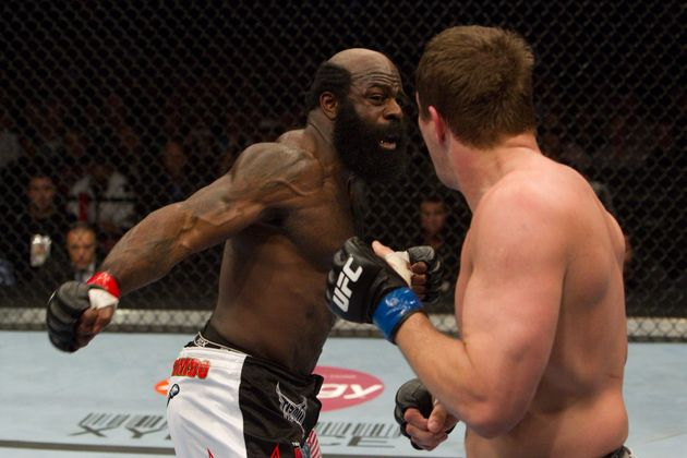 Kimbo Slice fighting Matt Mitrone in 2010 in