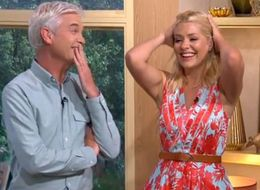 Holly And Phil Get An Infectious Case Of The Giggles On 'This Morning'