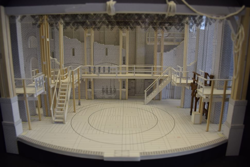 """'Hamilton' has the lowest running cost of any set I've designed in the last, I'd say, 15 years,"" Korins sa"