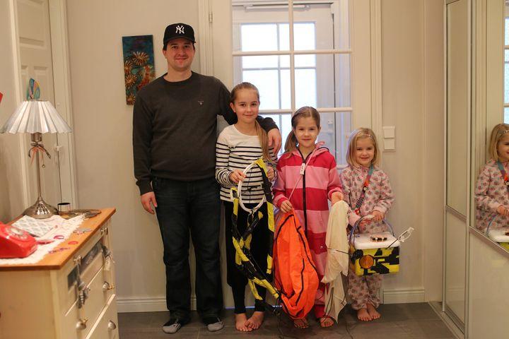 Tero Tähtinen with his daughters.