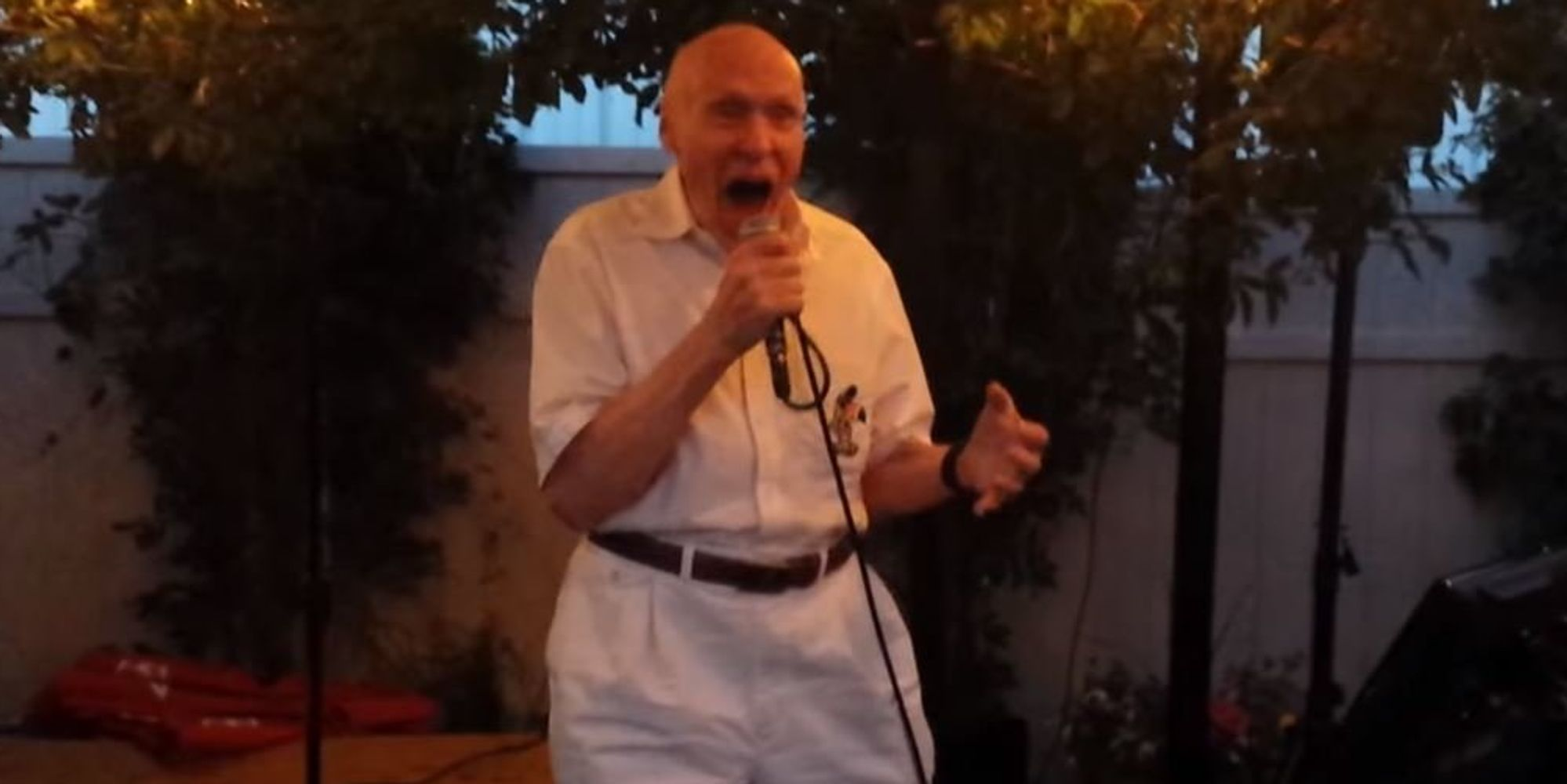 80 year old man sings drowning pool 39 bodies 39 karaoke for 1 let the bodies hit the floor