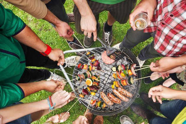 Entertaining This Summer: The Secrets Of Hosting A Budget