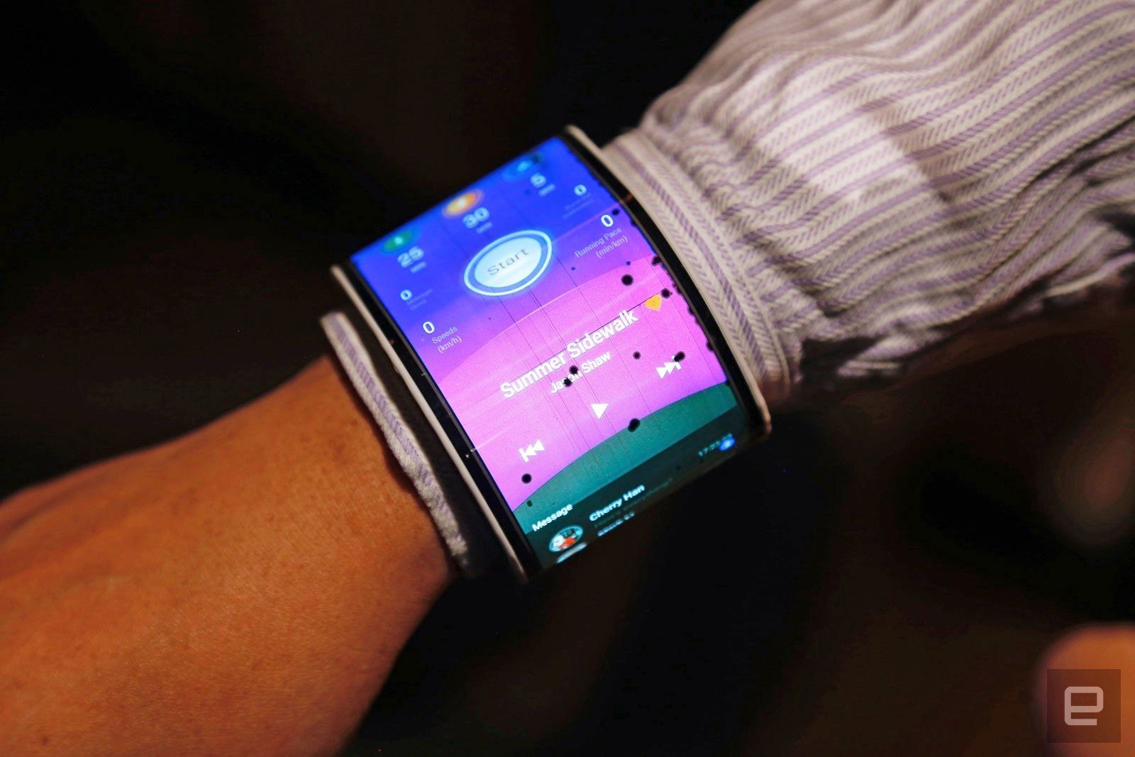 Concept: Make out Smartwatch Smartphone