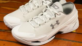 """The Curry 2 Low """"Chef"""" sneakers got burned."""