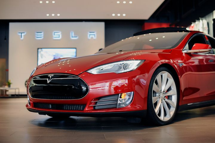 The National Highway Traffic Safety Administration says it was made aware of Tesla's confidentiality agreement last month. A