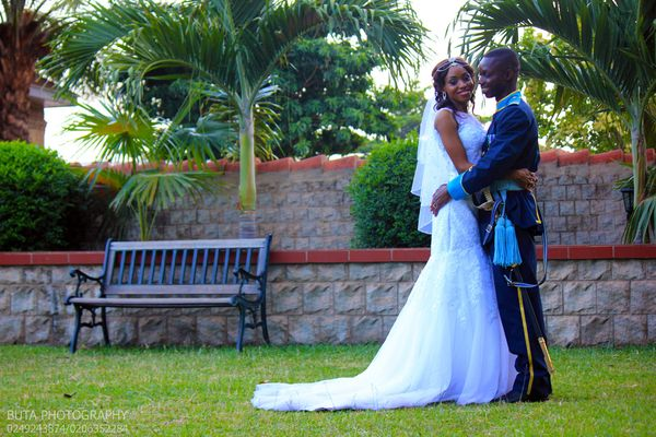 """""""Dr.Isaac Naazie, a medical director at Kamina Barracks, weds wife Dominica. They had their special military marriage c"""