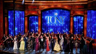 Show host James Corden (front, C) performs with all the nominees during the American Theatre Wing's 70th annual Tony Awards in New York, U.S., June 12, 2016. REUTERS/Lucas Jackson     TPX IMAGES OF THE DAY