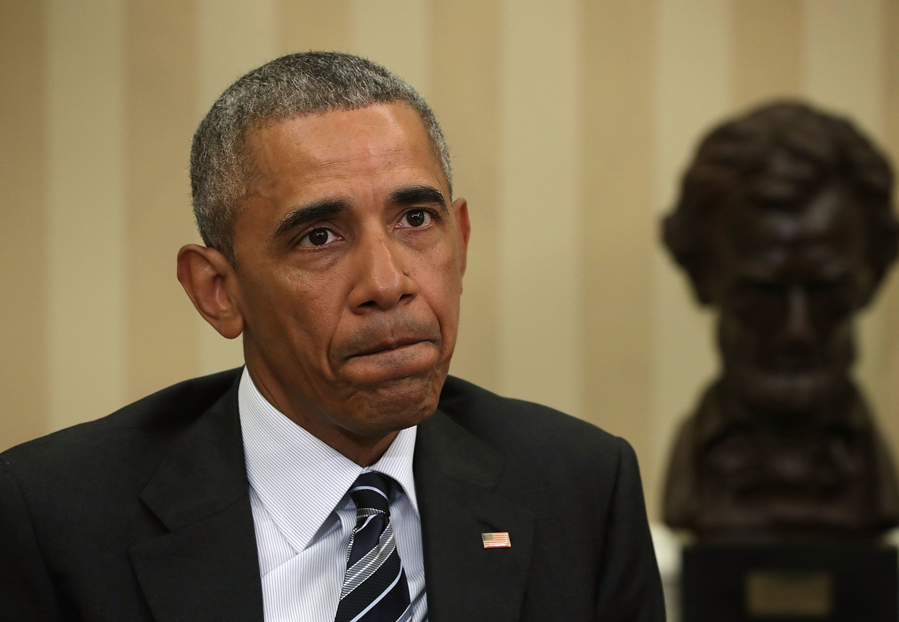 WASHINGTON, DC - JUNE 13:  U.S President Barack Obama pauses as he speaks during a meeting with FBI Director James Comey, Homeland Security Secretary Jeh Johnson, Director of the National Counterterrorism Center (NCTC) Nicholas Rasmussen, and Deputy Attorney General Sally Yates in the Oval Office of the White House June 13, 2016 in Washington, DC. President Obama received an update on the investigation into the attack in Orlando, Florida.  (Photo by Alex Wong/Getty Images)